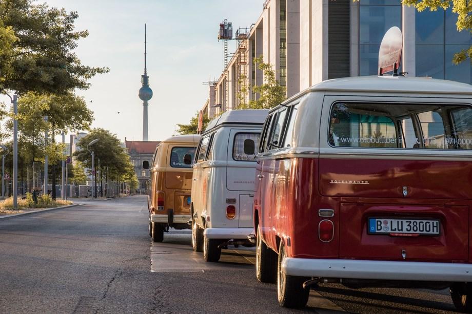 old bulli berlin mieten hochzeitsauto in deutschland. Black Bedroom Furniture Sets. Home Design Ideas