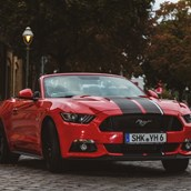 Hochzeitsauto - yellowhummer Ford Mustang GT