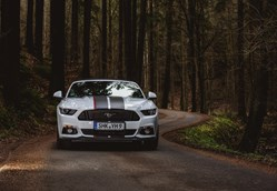 Hochzeitsauto - yellowhummer - Ford Mustang GT V8