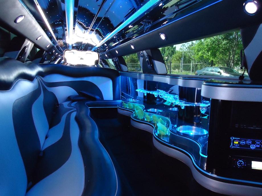 lincoln von action limousine mieten hochzeitsauto in sterreich. Black Bedroom Furniture Sets. Home Design Ideas